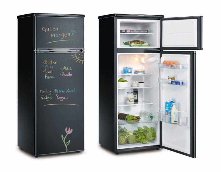 Severin ledusskapis ar krītiņiem aprakstāms